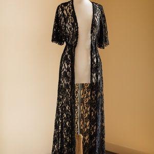 Windsor Black Lace Kimono